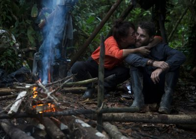 Couple-of-tourists-in-love-camping-in-the-middle-of-the-Amazon-jungle