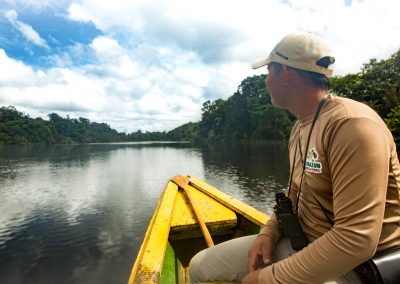 indigenous-sailing-in-the-jungle