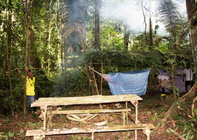 natives-setting-up-camp-in-the-middle-of-the-Amazon-jungle-1